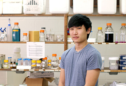University of West Georgia biology student Kenneth Kim in the Mitra Lab.