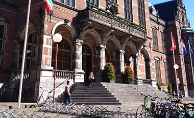 The University of West Georgia has three new opportunities for students to spend a semester abroad while earning credit towards their UWG degrees. This fall, the institution signed exchange agreements with universities in the Netherlands, Ireland, and Australia that will provide students in a variety of disciplines the chance to gain global experience while customizing their degree programs.