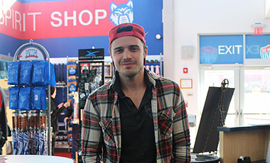 In promotion of his concert at Mill Town Music Hall in Bremen on Friday, January 30, Kris Allen visited UWG for a CD signing. The American Idol winner walked into the university bookstore with a smile as his adoring fans warmly welcomed him, and he was more than happy to converse, sign autographs, give hugs, and take pictures.