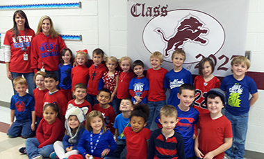 At Central Elementary School, students showed their support for the UWG football team during Red and Blue Day on Friday, December 4. The entire school wore red and blue to get geared up for the big game on Saturday, December 5.  This idea stemmed from the fact that many students have parents and teachers with connections to UWG.