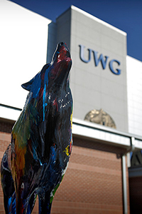 Howl for UWG wolf statue
