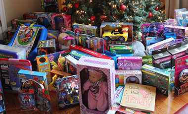 The University of West Georgia Staff Advisory Council held its annual toy drive on December 11 at the Alumni House, where UWG staff were invited to bring toys to donate to families struggling this time of year to provide a happy holiday for their families.